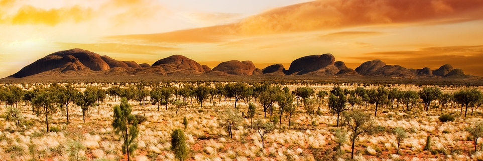 Sunset-over-a-central-Australian-desert
